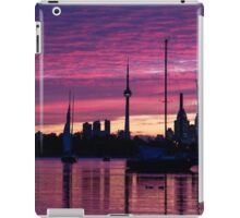 Toronto Skyline - the Boats Are Coming In iPad Case/Skin