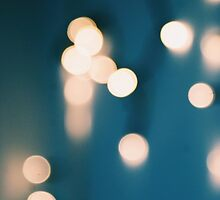 Blue and yellows bokeh lights by chloegibb