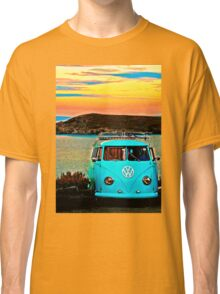 Iconic VW & Sunset. Classic T-Shirt