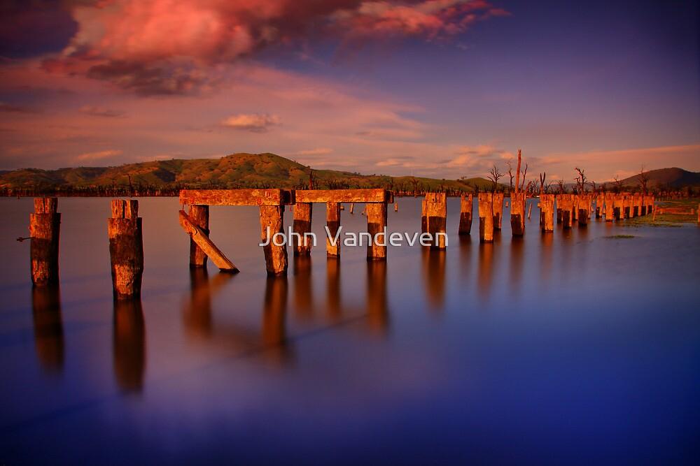 Lake Hume 7 by John Vandeven
