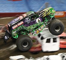 Grave Digger Flying High by ReneR