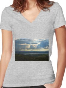 Looking to Inch Island, County Donegal Women's Fitted V-Neck T-Shirt