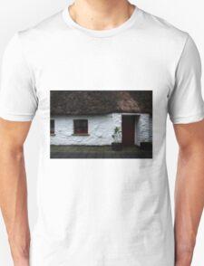 Thatched cottage 2 Unisex T-Shirt