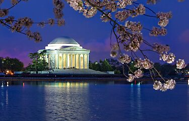 Jefferson memorial at night by bettywiley