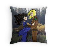 Mae Govannen Throw Pillow