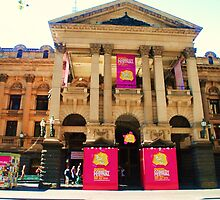 Melbourne Town Hall by Debbie Thatcher