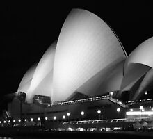 Opera House - Sydney by Debbie Thatcher