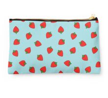 Strawberries madness Studio Pouch
