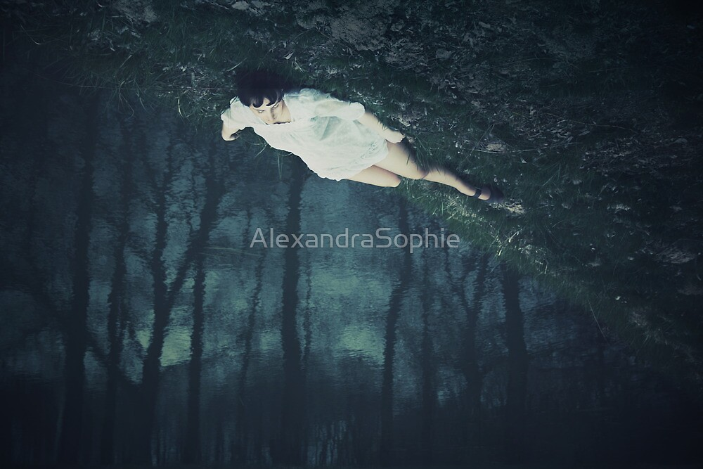 Midnight under my toes by AlexandraSophie
