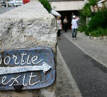 Sortie - Exit - St paul village - France by churros