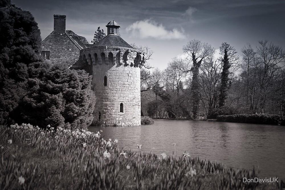 Moody Scotney Castle by DonDavisUK