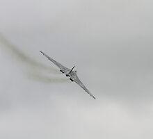 XH558 Vulcan  by yampy