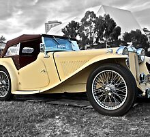 Cream MG TC at the 2010 National Meeting by Ferenghi