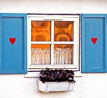Cottage window by Nordlys