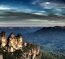 Three Sisters - Blue Mountains NSW by Bill Fonseca