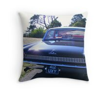 Galaxie 2 Throw Pillow