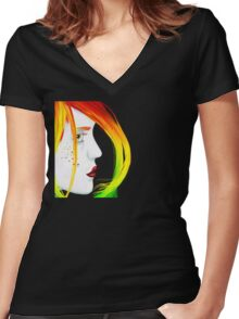 Unbalanced Women's Fitted V-Neck T-Shirt