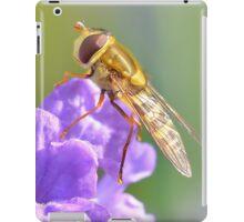 Pretty Hoverfly iPad Case/Skin
