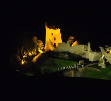 Urquhart castle at night by Andy Jordan