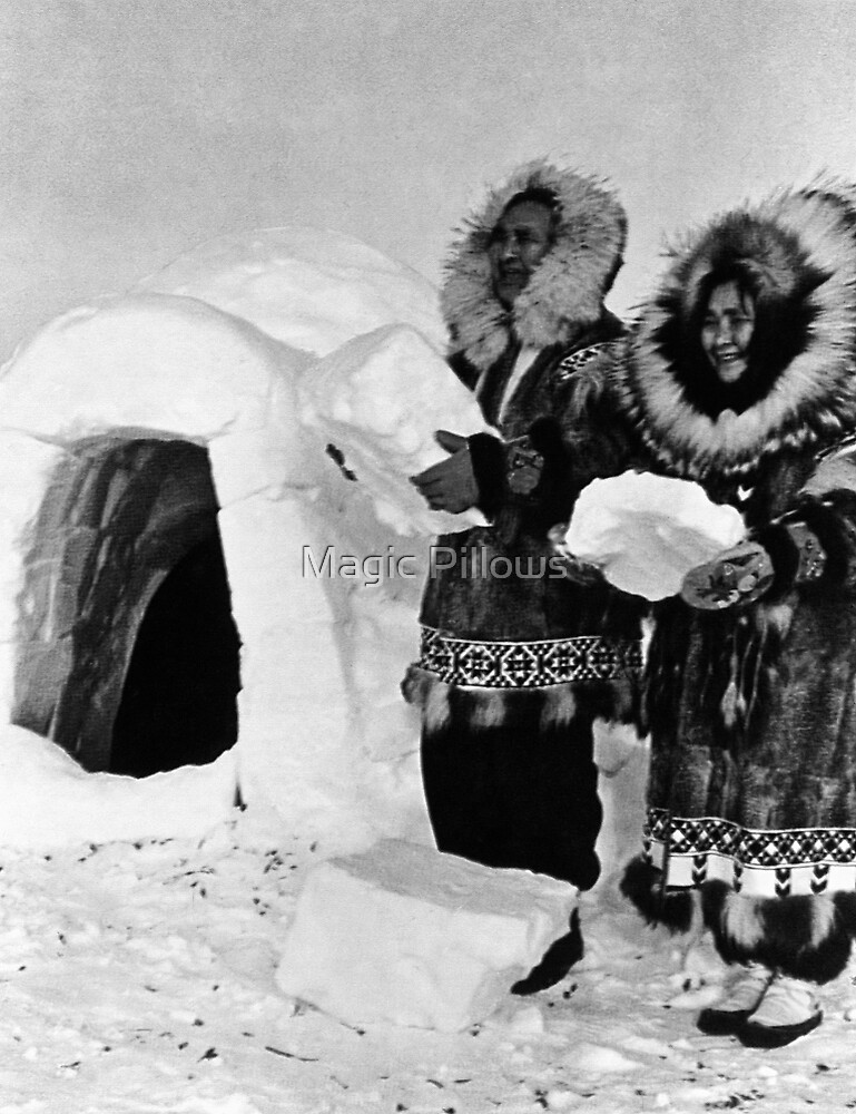 BW USA Alaska igloo builders 1970s by blackwhitephoto