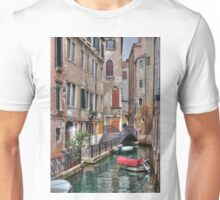 A Canal In Venice Italy Unisex T-Shirt