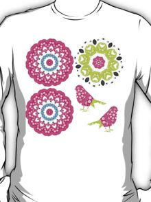 Pretty Paisley Flower And Birds Pattern T-Shirt