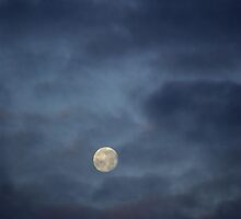 Moon through clouds by shkyo30