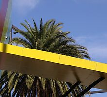 Melbourne Museum - Yellow Bar by ofurniss