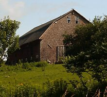 Hill Top Barn In Maine by mooselandtours