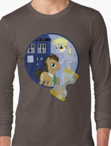 The Doctor and the Assistant  Long Sleeve T-Shirt