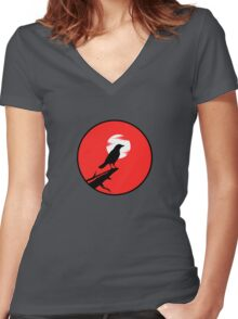 The Crow (red sky) Women's Fitted V-Neck T-Shirt