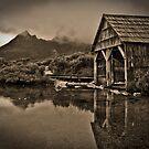 Old boat house in Tasmania by Jesper Høgsdal