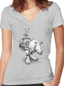 SCOUT Women's Fitted V-Neck T-Shirt