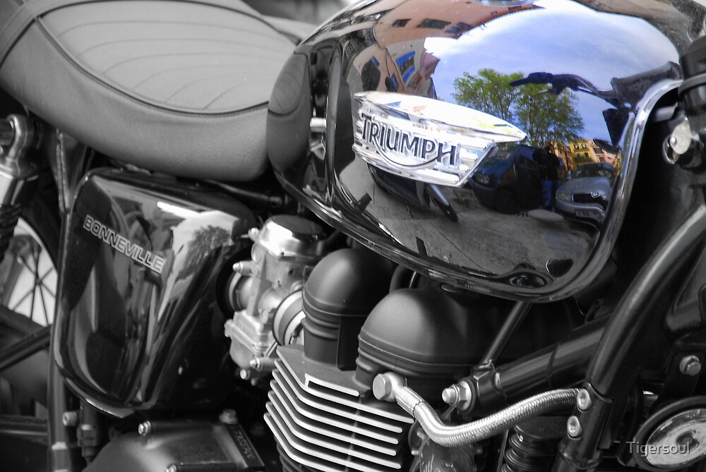 Triumph Bonneville in black. by Tigersoul