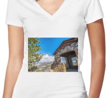 GEOLOGY HUT Women's Fitted V-Neck T-Shirt
