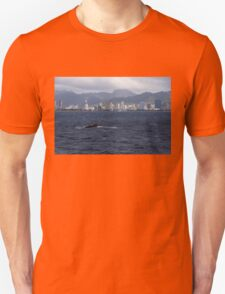Whale Watching in Honolulu, Hawaii T-Shirt