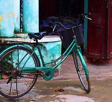 classic bike - on the streets of Hoi Ann by simphoto