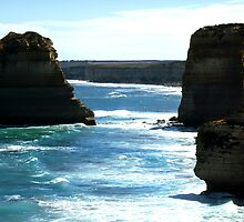 Great Ocean Road Cliffs by Paul Mayall