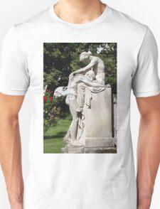 Fate fountain Stuttgart - grief - love T-Shirt