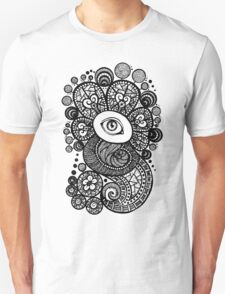 Eye in the shell 01 T-Shirt