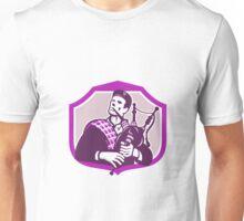 Scotsman Playing Bagpipes Shield Retro Unisex T-Shirt