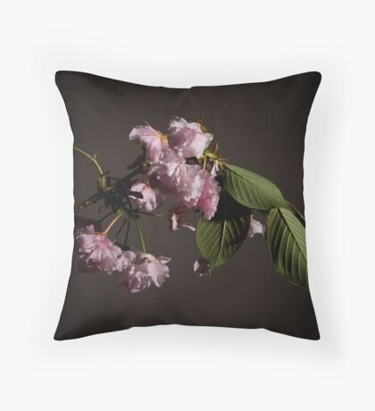 Fleur sur Branche Throw Pillow