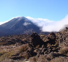 Mt Ngauruhoe (Mt Doom - LOTR) by oliverjridgill