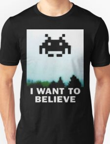 Believe in the Invaders. T-Shirt
