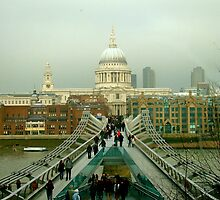 Millenium bridge of London by JamesRoberts