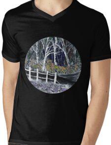 'Snow whites Wood - Midnight' Mens V-Neck T-Shirt