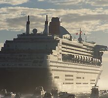 Queen Mary 2 by RedBundy