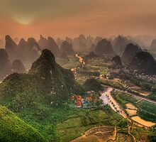Sunset over Li-river at Yangshuo by Susan Dost
