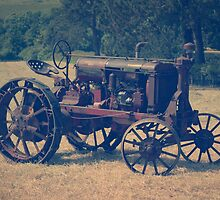 Antique tractor by idcreative