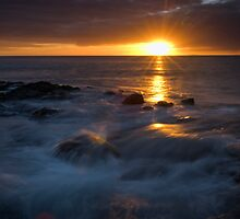 The end of another beautiful Coromandel Day by Paul Mercer